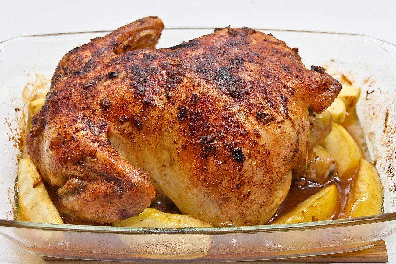 Курица в яблоках в духовке рецепт пошагово