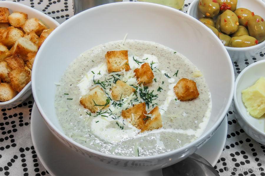 Крем-суп из шампиньонов со сливками