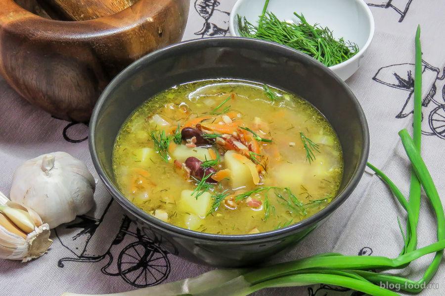 Фасолевый суп на бульонном кубике
