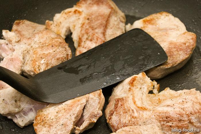 Как жарить сочное мясо насковородке