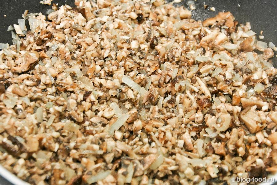 Свиные отбивные с запечёнными перцами и грибами