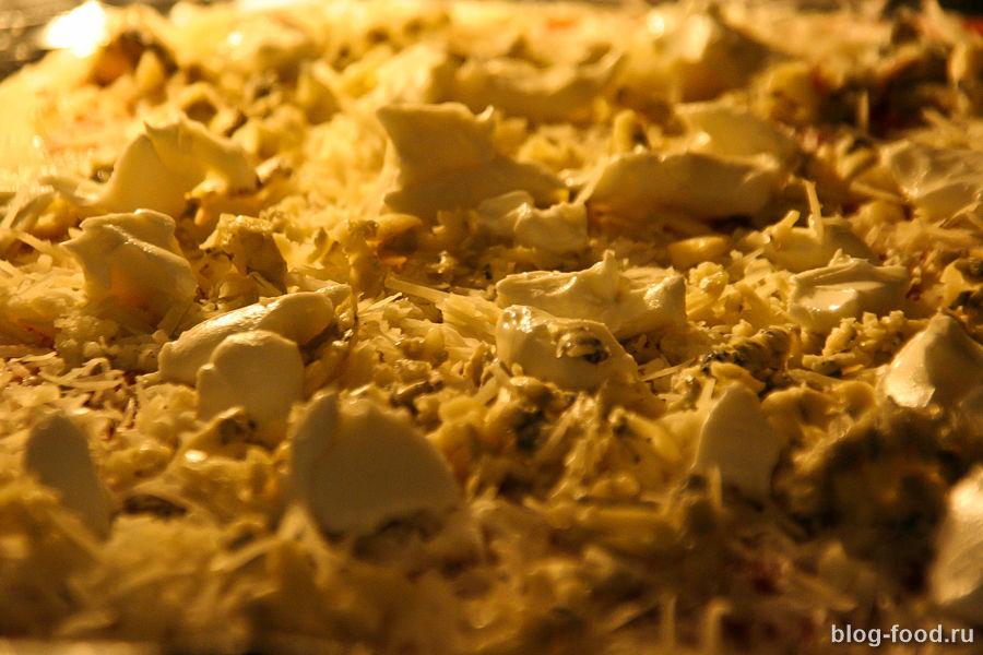 Пицца в духовке на сметанном тесте
