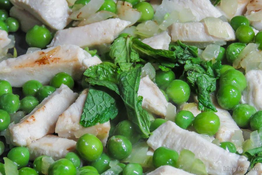 Тальятелле с курицей в мятно-сливочном соусе