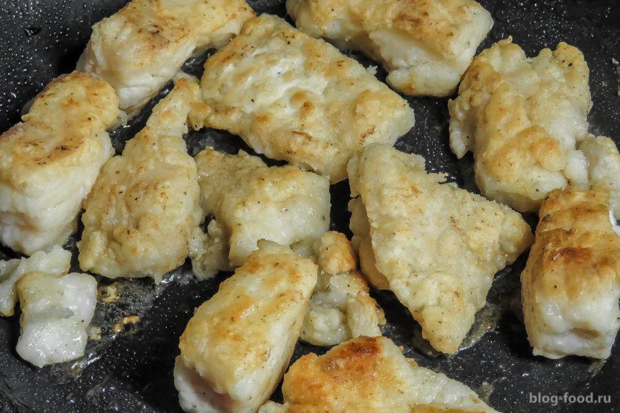 Треска с грибами и сыром в духовке