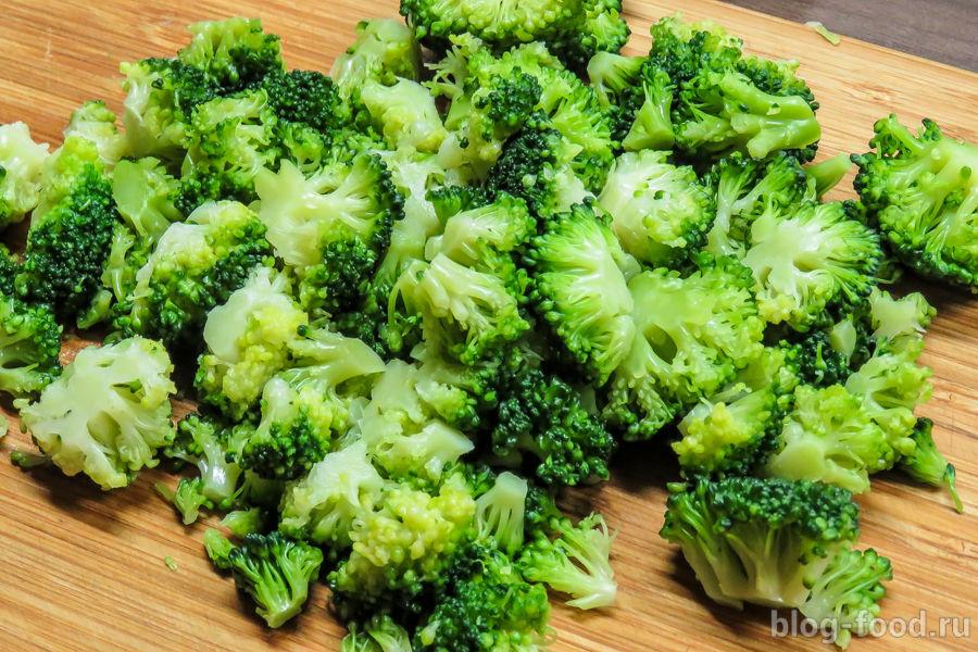 Паста с креветками и овощами