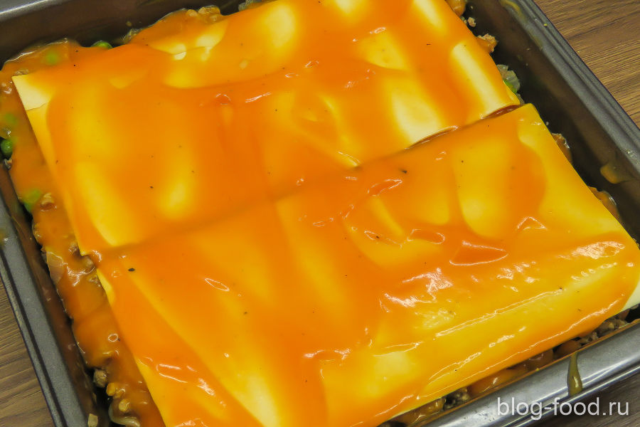 Лазанья с морковным соусом