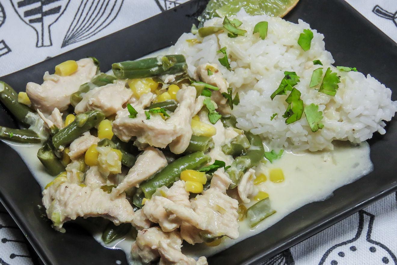 Зелёное карри с курицей в тайском стиле