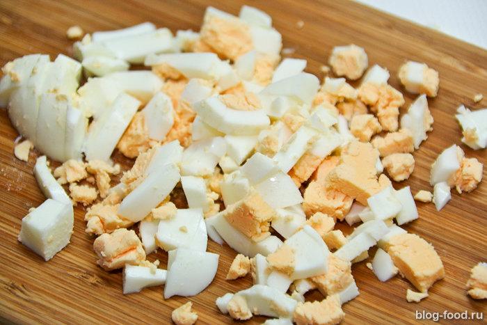Салат из дайкона с крабовыми палочками